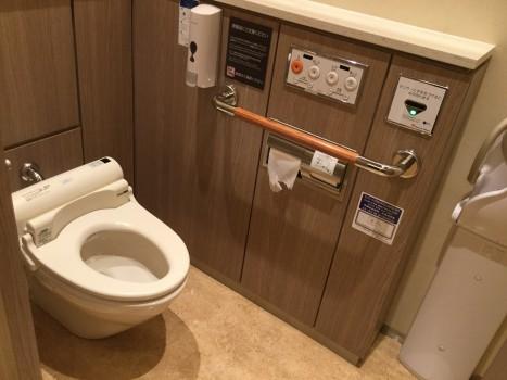 多機能トイレin新宿店